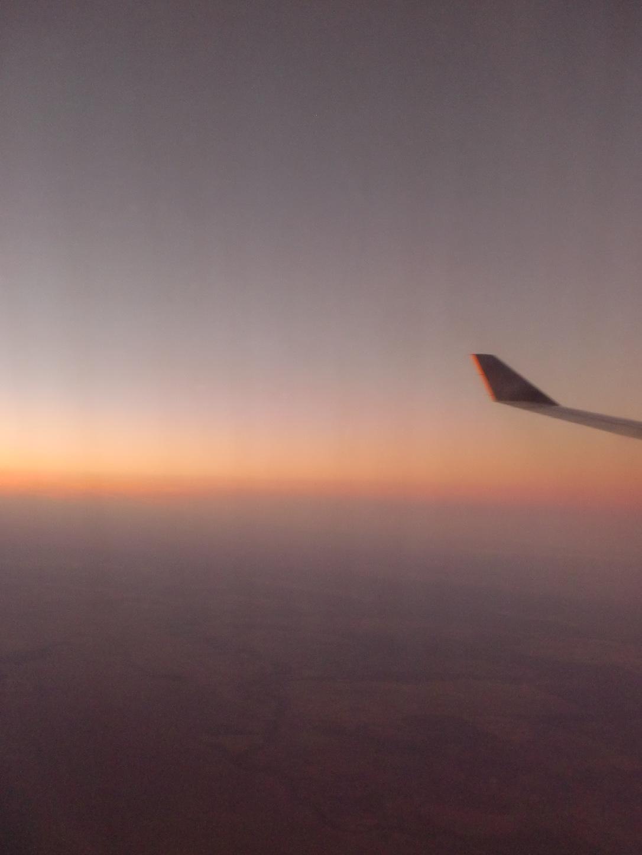 Masih sayap pesawat Singapore Airlines
