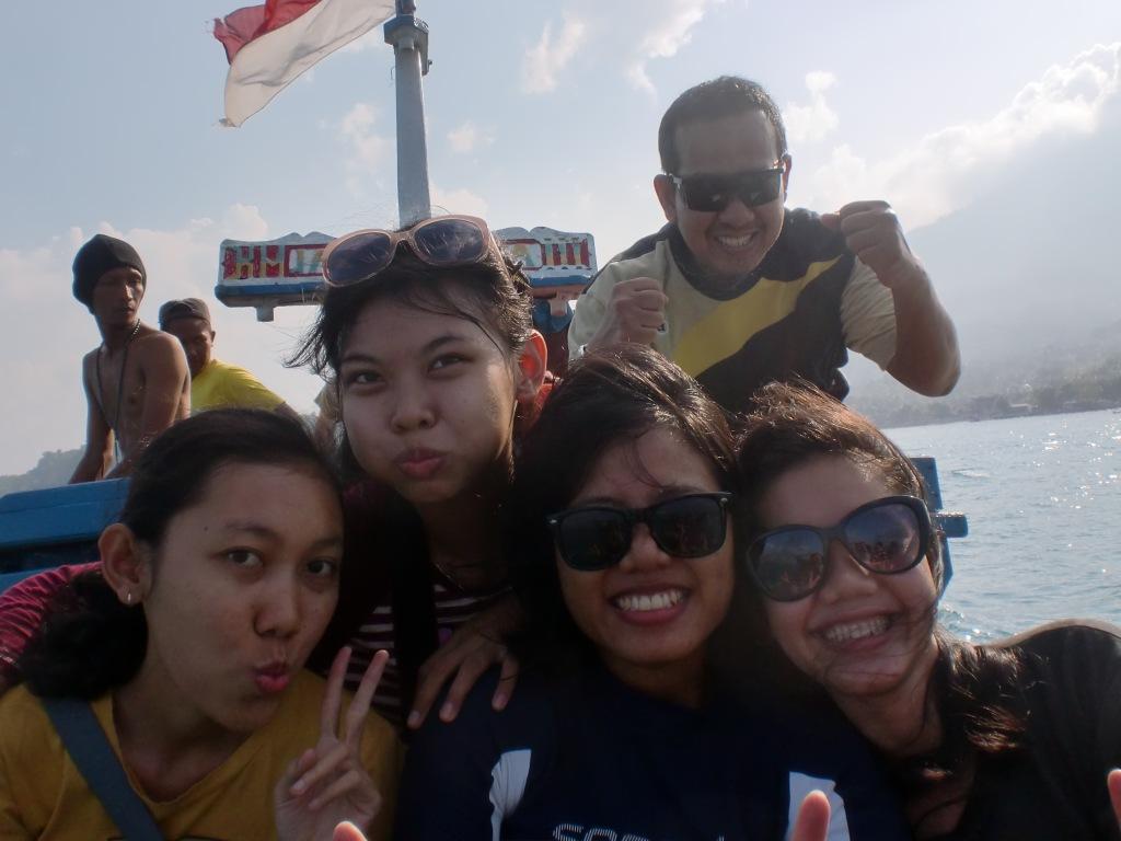 Hari pertama di laut