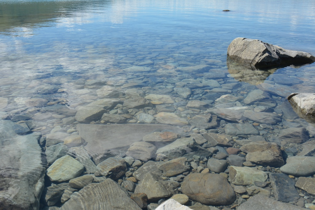 Air di Lake Tekapo ini jernih
