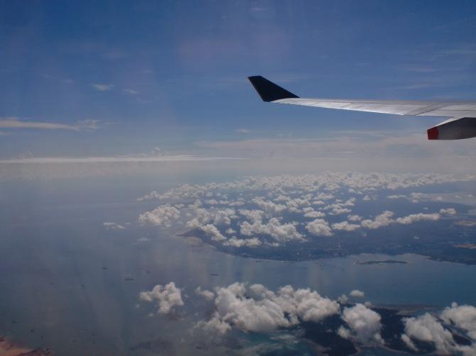 Langit Indonesia, beberapa saat setelah take off dari Changi