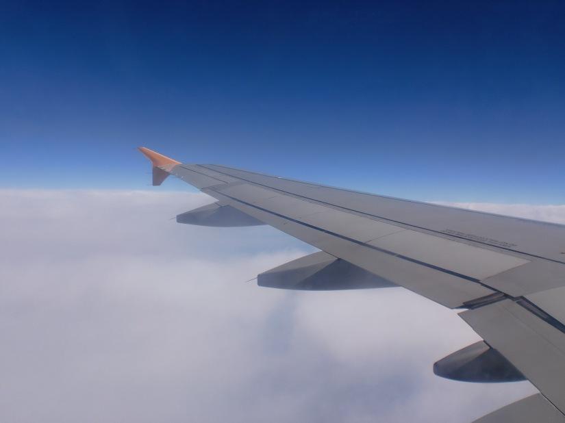 Sayap pesawat Tiger Air di langit Australia