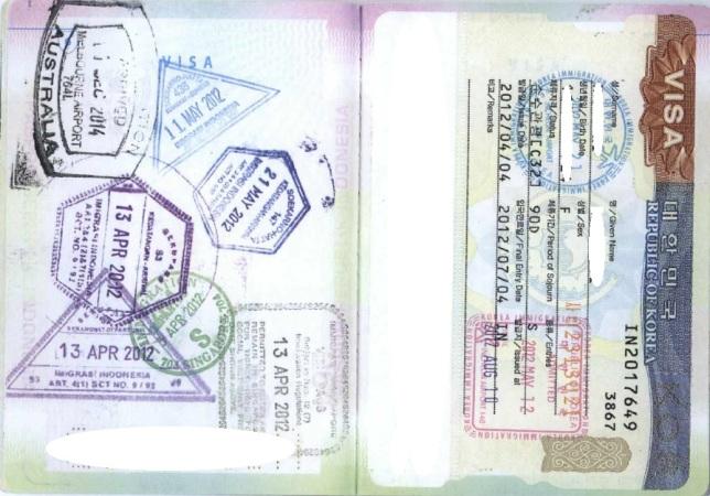 Koleksi cap dan stiker di paspor