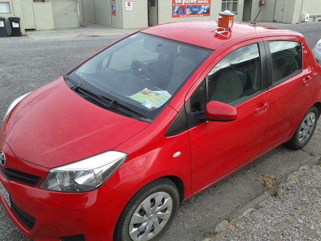 Si merah sahabat perjalanan waktu road trip di New Zealand :-D
