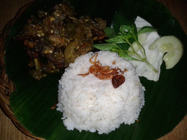 Nasi dan bebek bakar madu