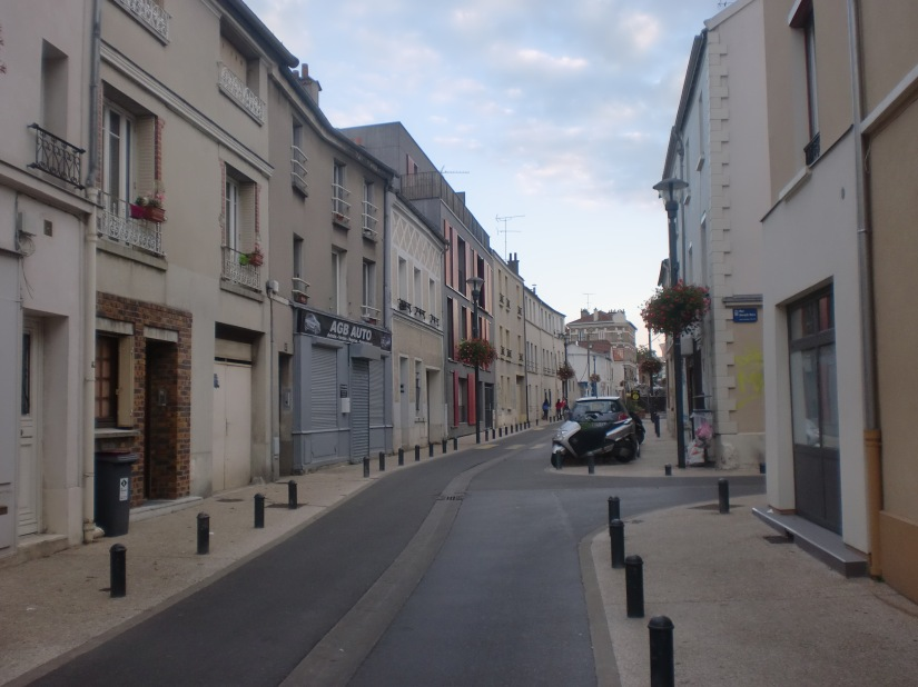 Jalan menuju kontrakan saya di Paris