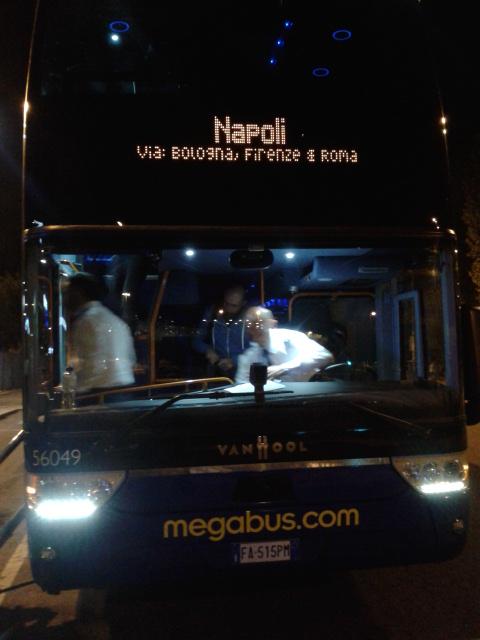 Hoy hoy bus kami akhirnya dateng!!!