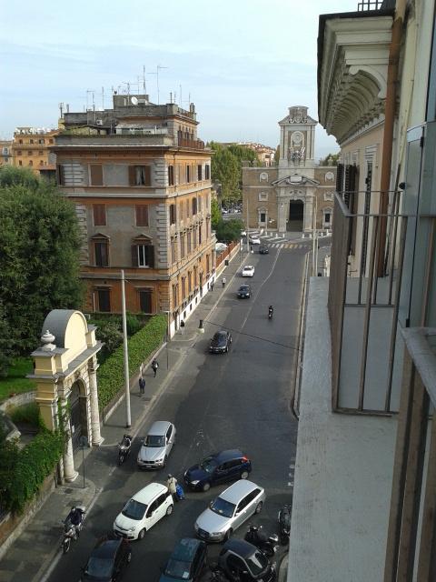 Pemandangan dari balkon hotel